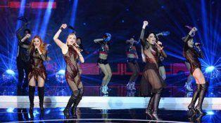 Con trajes transparentes, las chicas de Bandana bailaron en el programa de Susana