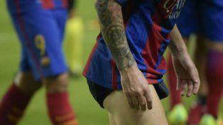 Messi se retira en calzoncillos del estadio Sánchez Pizjuán.