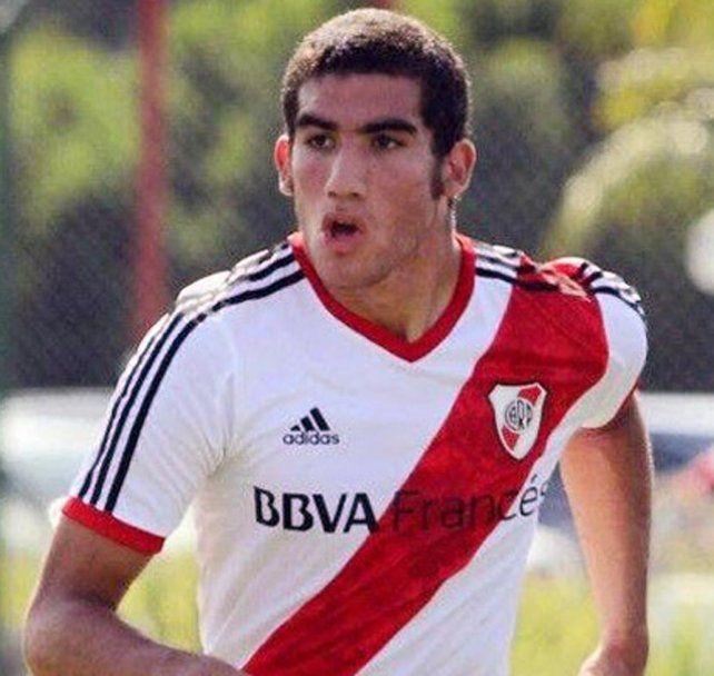 No viene. Leandro Vega ofrecía la alternativa de desempeñarse como segundo zaguero central o lateral izquierdo.