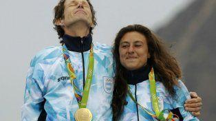 Santiago Lange y Cecilia Carranza en la ceremonia de entrega de medallas.