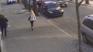 El miércoles pasado a la tarde un joven estaciona en Suipacha al 700 el auto del joven asesinado.