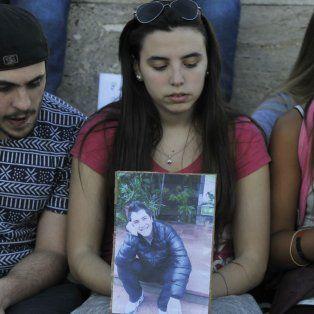 Amigos y familiares de Fabricio, en la marcha que se hizo el lunes en reclamo de justicia.