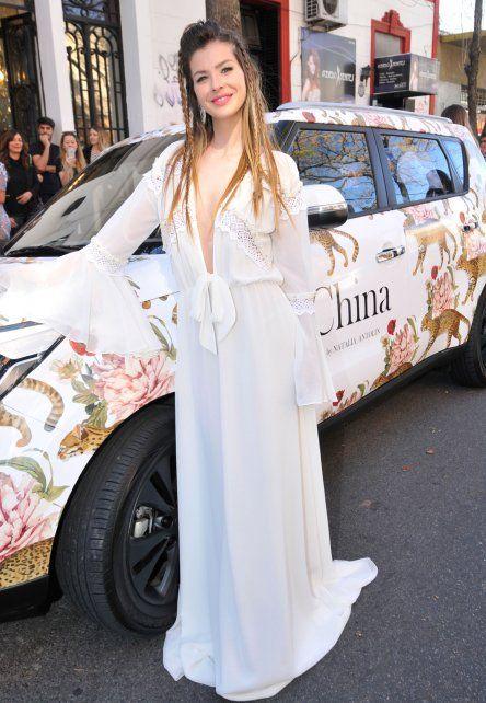El look súper sensual de la China Suárez que posó junto a bellas modelos para su marca