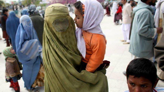 Integración. Alemania quiere regular el uso de vestimentas que ocultan el rostro de las mujeres musulmanas.