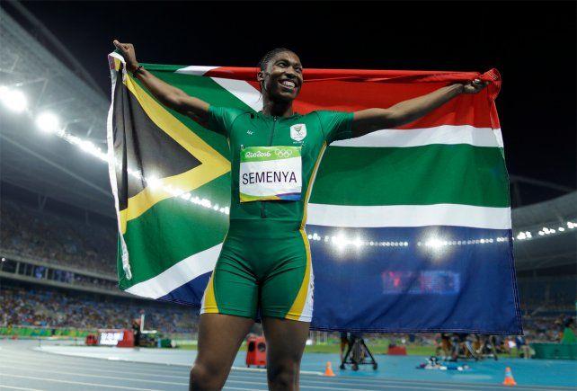 La sudafricana Semenya logró su primer oro olímpico en 800 metros