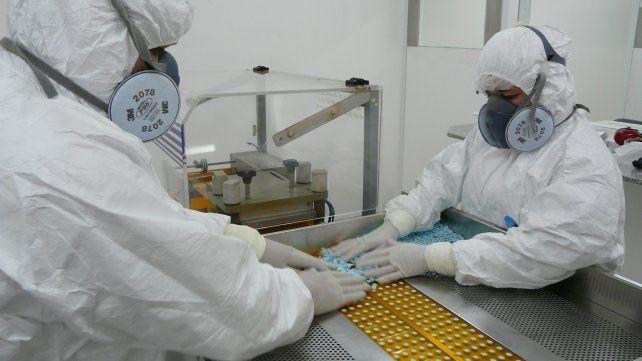 Auge. Crece la producción de los laboratorios estatales santafesinos.
