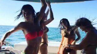 Pampita se mueve sensual junto a un grupo de amigas en un yate en Miami