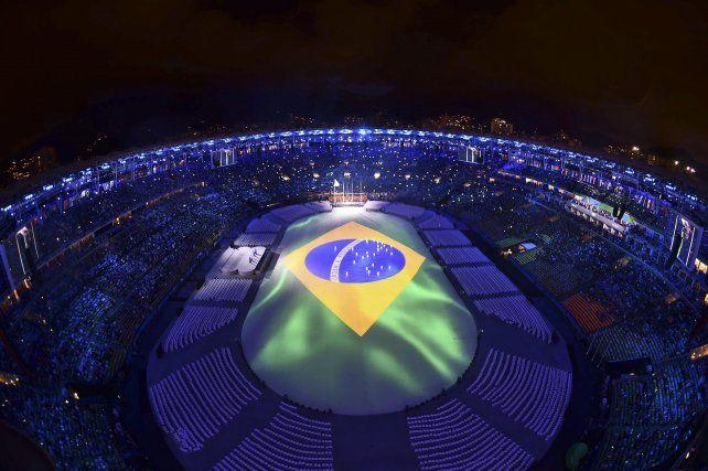 El mítico Maracaná se vistió con los colores de la bandera de Brasil.