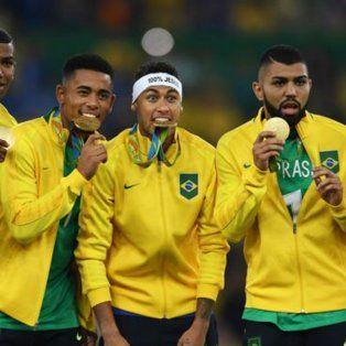 El pentacampeón mundial ganó la medalla de oro Olímpica al vencer el sábado por penales 5-4 a Alemania en la final.