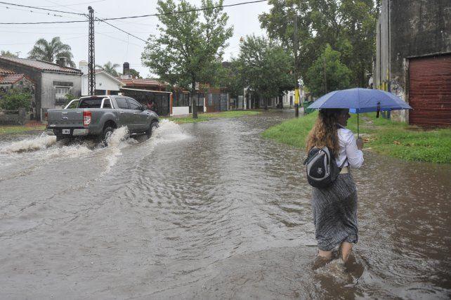 Problemas. Durante el verano pasado el fenómeno de El Niño trajo muchos anegamientos en la ciudad.
