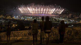 Los fuegos artificiales fueron la vedete en la despedida carioca.