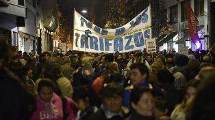 Tarifazo. Las movilizaciones populares hicieron sentir su protesta contra los aumentos tarifarios del gobierno.