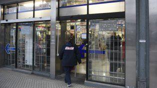 Los empleados de la cadena de supermercados fueron denunciados hace tres años
