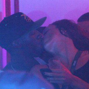 Usain Bolt, apasionado con una joven en un boliche de Río.