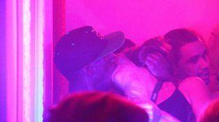 Nuevas fotos de la noche hot de Usain Bolt con una tercera mujer en un nightclub de Río