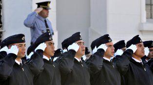 Cesoni aseguró que se hace agua en el tipo de formación que se les da a los que siguen la carrera de policía.