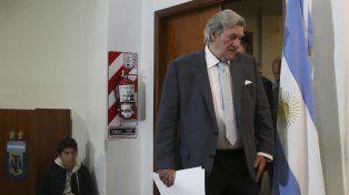 Me parece que faltaba la confianza, no teníamos buen entendimiento, dijo elpresidente del Comité Regularizador, Armando Pérez.