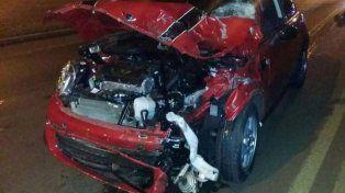 Trágico. El Mini Cooper muestra las huellas del fatal accidente en Posadas.