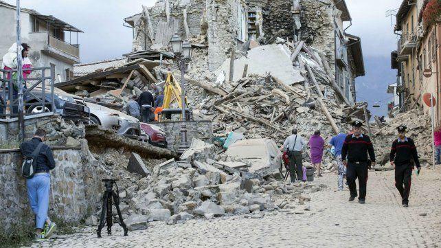 Tras el devastador terremoto se registraron cerca de un centenar de réplicas