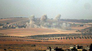 Operativo militar. La artillería turca impacta en la zona fronteriza con Siria, en poder del Estado Islámico.