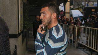 Se paga, se juega, fue el resumen de Carlitos Tevez al salir de la reunión en Agremiados.