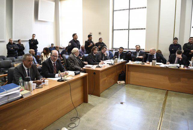 oral y público. El juicio comenzó ayer al mediodía en los Tribunales.