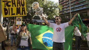 Hecho histórico. En los últimos 18 meses, cientos de brasileños reclamaron en las calles la salida de Dilma.