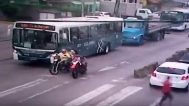 Sicarios asesinaron a un motociclista a plena luz del día en Brasil