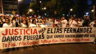 Los manifestantes concentraron en Pellegrini y Balcarce para marchar a la sede de Gobernación.