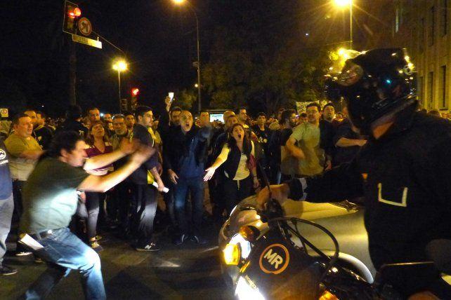 Los manifestantes se hicieron cargo del operativo de tránsito.