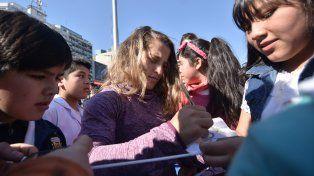 Devoción por los olímpicos: emoción y autógrafos con los chicos