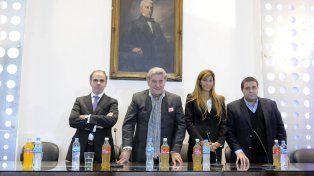 Comisión Normalizadora. La AFA quedó acéfala en lo dirigencial y desde la Fifa y la Conmebol enviaron a cuatro encargados de encauzar al fútbol argentino. El elegido fue Armando Pérez, presidente de Belgrano de Córdoba.