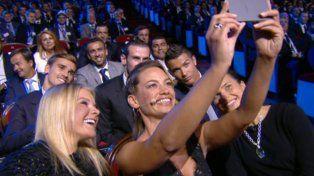 La selfie de Anne-Laure Bonnet con los futbolistas