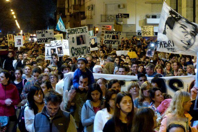 La alta concurrencia a la marcha contra la inseguridad fue un llamado de alerta para la dirigencia santafesina.