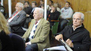 Rodríguez (derecha) fue condenado en 2013 junto a otros represores.