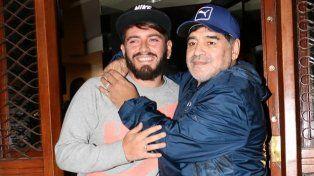 Diego Maradona y Diego Junior jugaron su primer partido de fútbol tras el reencuentro