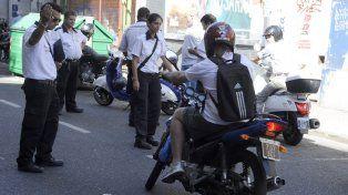 En foco. Los motociclistas vienen siendo blanco de controles. Los datos refuerzan la hipótesis de que las motos son utilizadas muchas veces para delinquir.