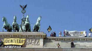 Protesta antiislámica en la Puerta de Brandeburgo