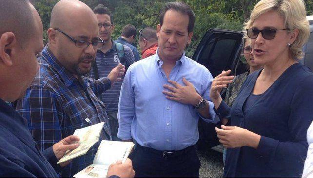 Injustificado. El Sebin retiene los pasaportes de los ecuatorianos.