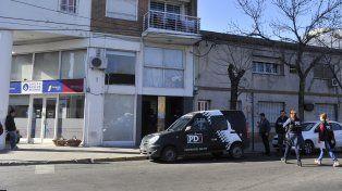 Soza Bernard fue buscado en su domicilio de Vera Mujica al 700, aunque lo atraparon en otro sitio.
