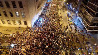 La contundencia numérica dio a la protesta en Rosario un peso específico y densidad insoslayables.