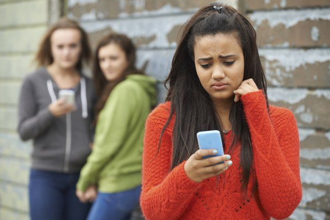acoso. En los últimos años el maltrato salió de la escuela hacia la sociedad.