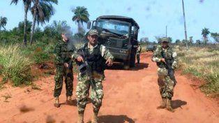 averiado. El camión que usaba la patrulla, dañado por explosivos. Se llevaron los fusiles y un arma antiaérea.