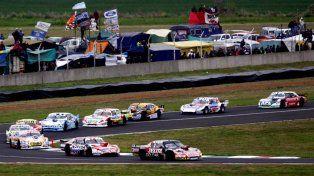 El trencito. Facundo Ardusso pasó a Matías Rossi en la serie y terminó tercero en la final del autódromo paranaense.