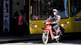 Los motoqueros se movilizarán el próximo jueves, a las 17, para pedir que no se apruebe la rotulación de los cascos.
