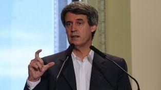 Propuesta. El ministro de Hacienda impulsa una ley de góndolas, como en Ecuador, para promover la competencia.