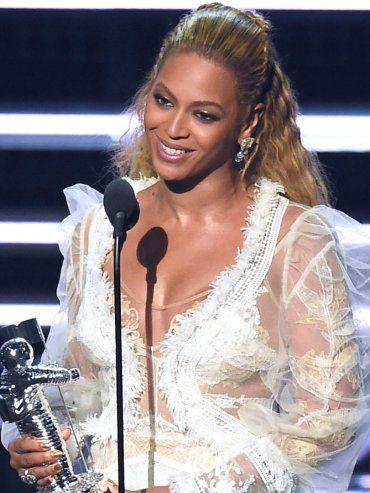 Dedicado a Nueva Orleans. Beyonce, que ofreció un show de 16 minutos, ganó el máximo premio por Formation.