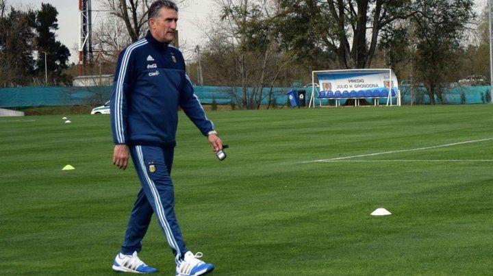 El entrenador Edgardo Bauza contó más detalles de su reunión con Messi en Barcelona.