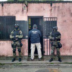 Cinco delincuentes fueron detenidos como resultado de tres allanamientos en Rosario y dos en San Nicolás.