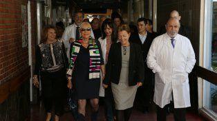 Autoridades del hospital y representes de Coto en la inauguración de la nueva sala del Pirovano.